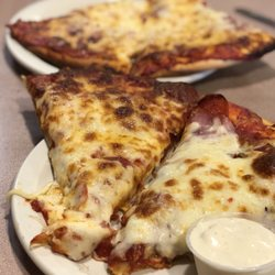 mr pizza 40 photos 52 reviews pizza 1729 s broadway rh yelp com