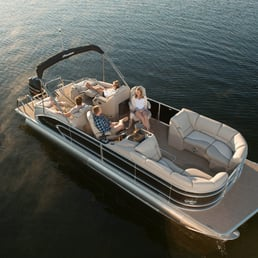 Manitou pontoon boats boating 16020 s lowell rd for Boat fishing near me