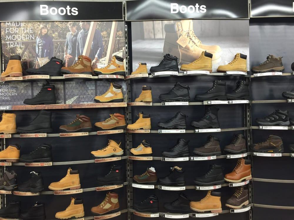 Modell's Sporting Goods: 360 Fulton St, Brooklyn, NY