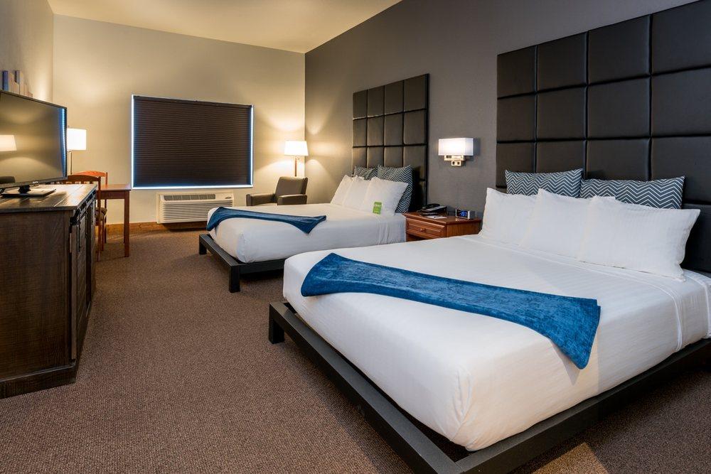Wood River Inn & Suites: 603 N Main St, Hailey, ID