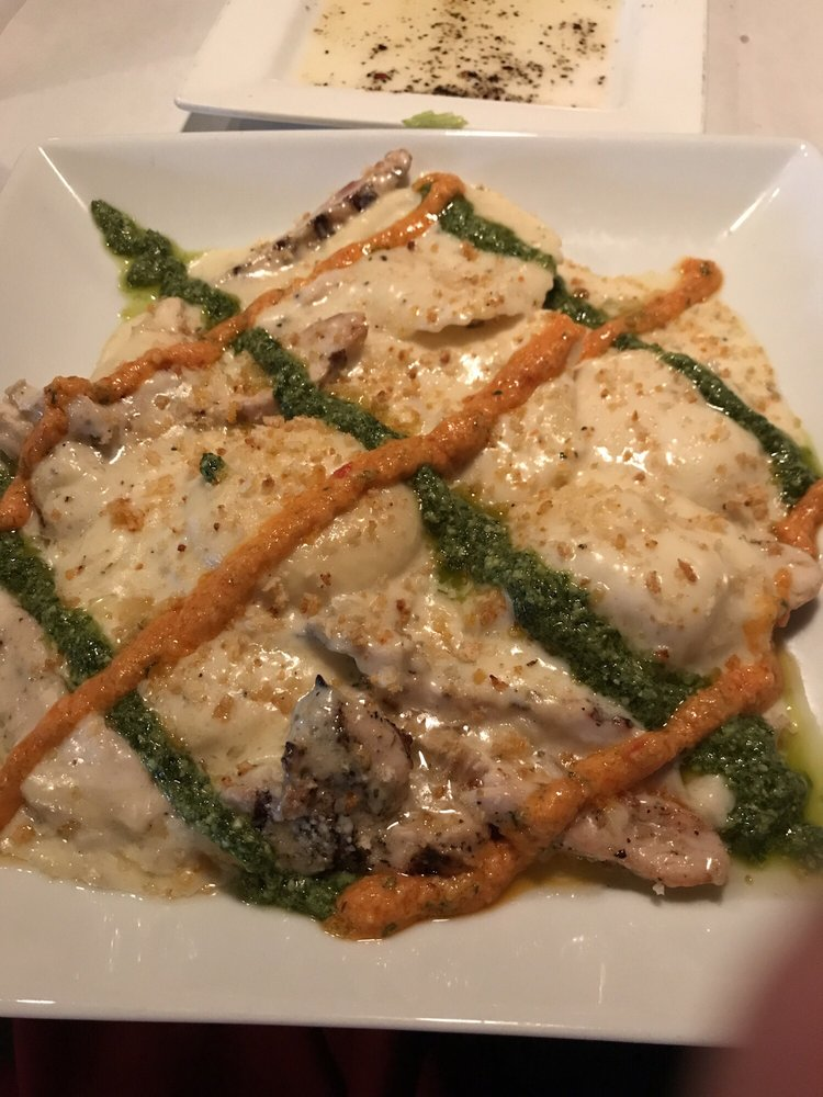 Bugsy's Italian Cuisine: 7936 Hills And Dales Rd, Massillon, OH