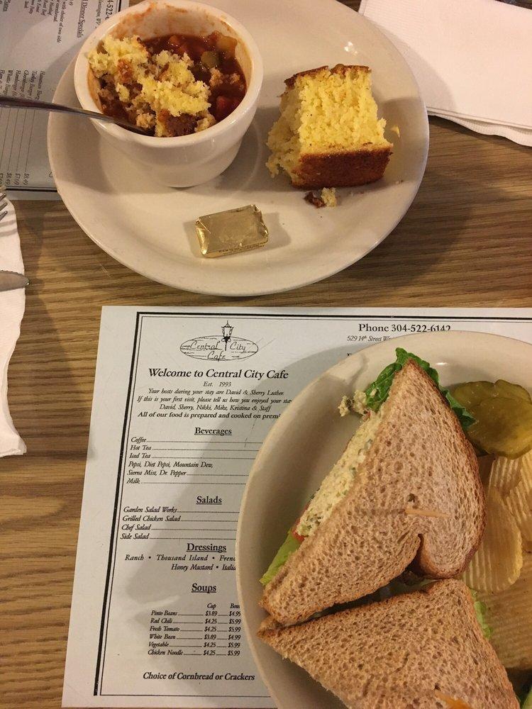 Central City Cafe: 529 14th St W, Huntington, WV