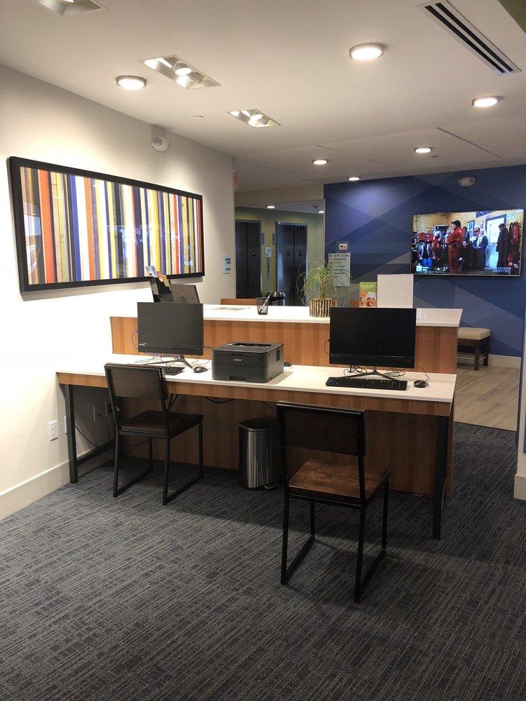 Holiday Inn Express & Suites Tampa North - Wesley Chapel: 2775 Cypress Ridge Blvd, Wesley Chapel, FL