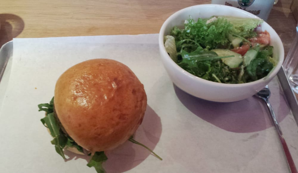 vegetarischer burger mit cesar salat yelp. Black Bedroom Furniture Sets. Home Design Ideas