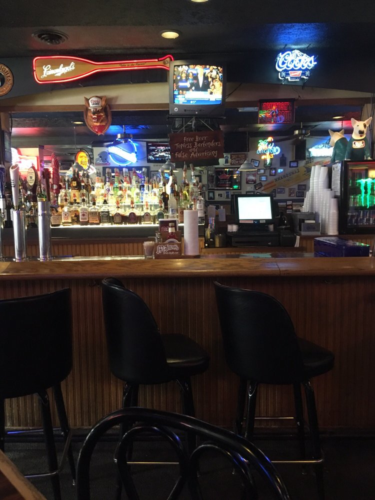 McIntosh's Pub & Grub: 6 E Franklin St, Bellbrook, OH