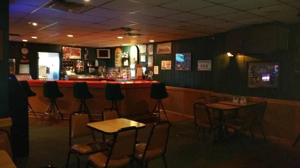 Kingston's Lounge: 629 E Michigan Ave, Jackson, MI