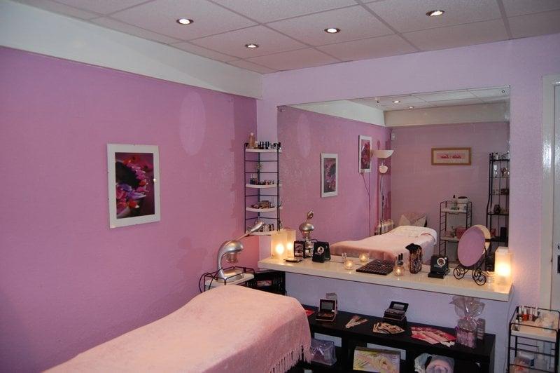 Vitality Medical Laser and Skin Clinic   740 Oak Avenue Pkwy, Ste. 100, Folsom, CA, 95630   +1 (916) 508-8640