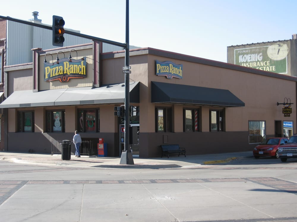 Pizza Ranch: 11 Central Ave SW, Le Mars, IA