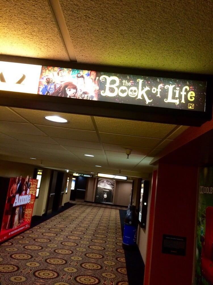 Regency Agoura Hills 8 54 Reviews Cinema 29045