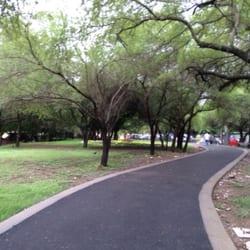 Parque r o la silla parques y jardines paseo del agua - Toyota pista silla ...