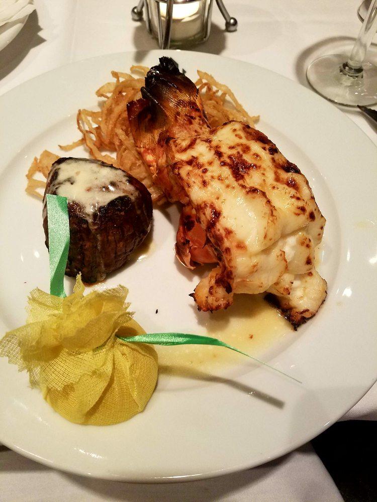 Hyde Park Prime Steakhouse: 4073 Medina Rd, Akron, OH