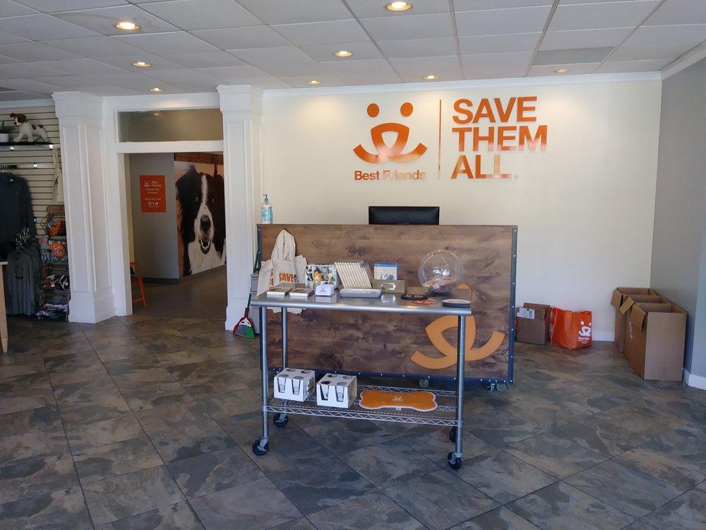 Best Friends Lifesaving Center
