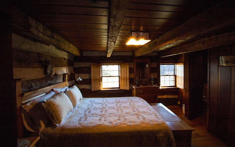 Ohio Log House Bed&Breakfast