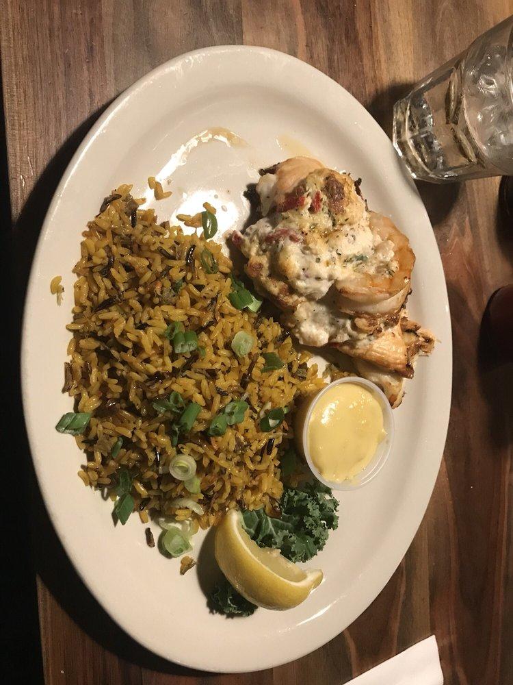 Gracie's Sea Hag Restaurant & Lounge