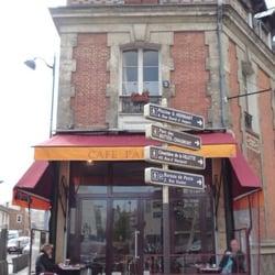 Café Parisien - Cafés - 2 place de Rhin et Danube, Buttes Chaumont ...