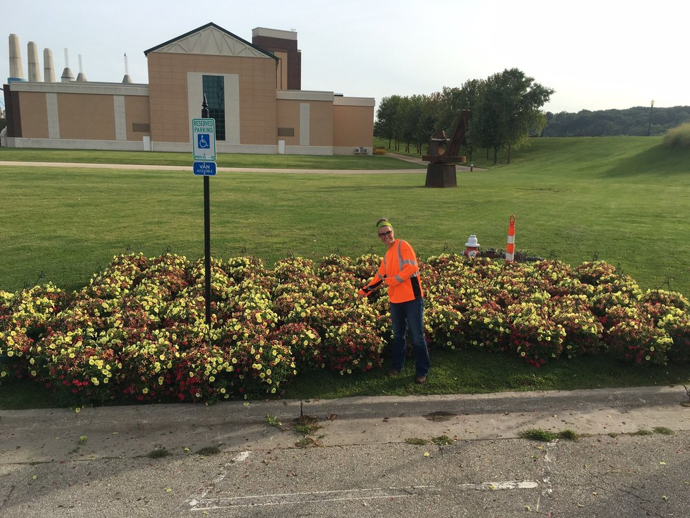 Ron Clesens Ornamental Plants: 45W464 Ramm Rd, Maple Park, IL