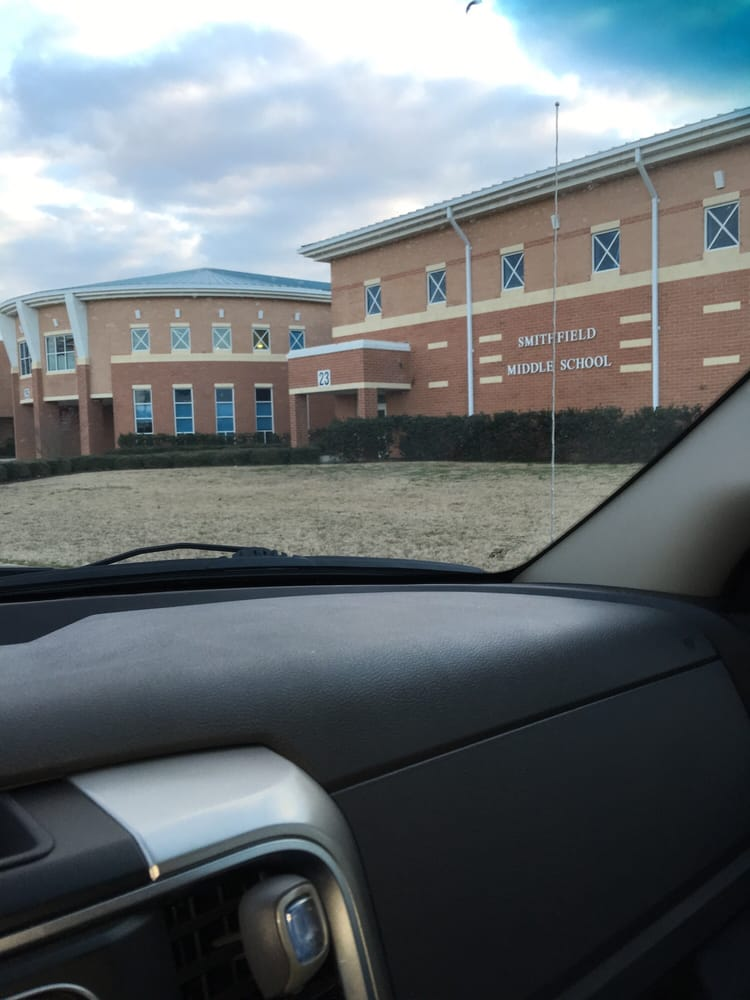Smithfield High School: 14171 Turner Dr, Smithfield, VA