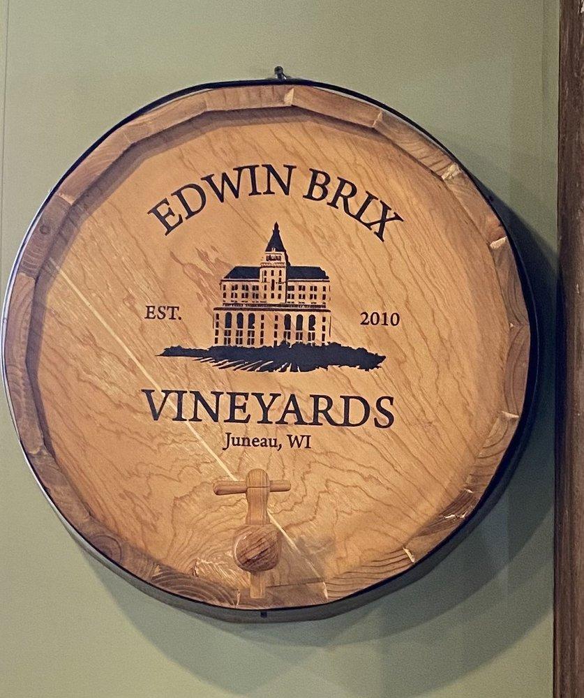 Edwin Brix Vineyard & Sell Family Wines: N4595 Welsh Rd, Juneau, WI