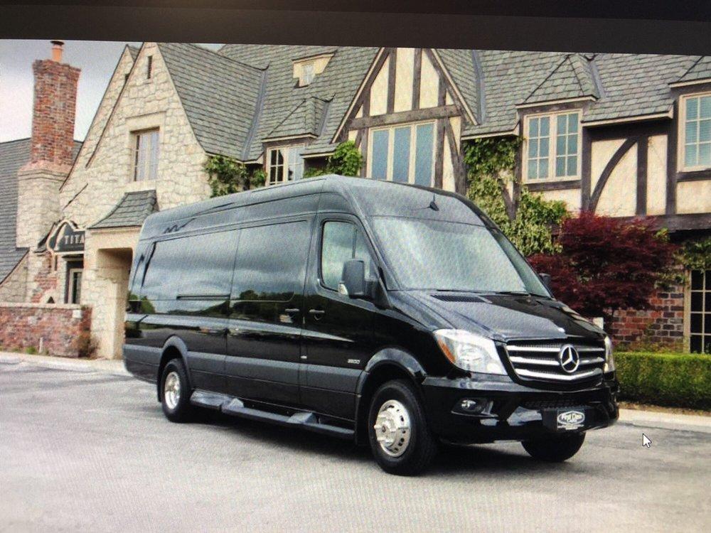 VIP Sedan & Limousine: 2318 S 24th St, Omaha, NE