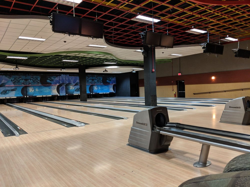 Strike Ten Lanes & Lounge
