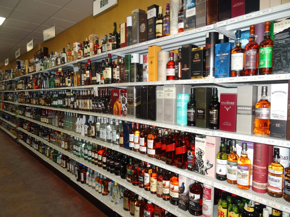 Stateline Wine & Spirits: 13 E Main St, Canaan, CT