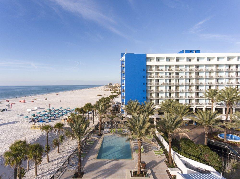 Hilton Clearwater Beach Resort & Spa: 400 Mandalay Ave, Clearwater, FL