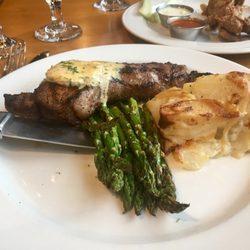 2 Steakhouse 9 Bistro Lounge