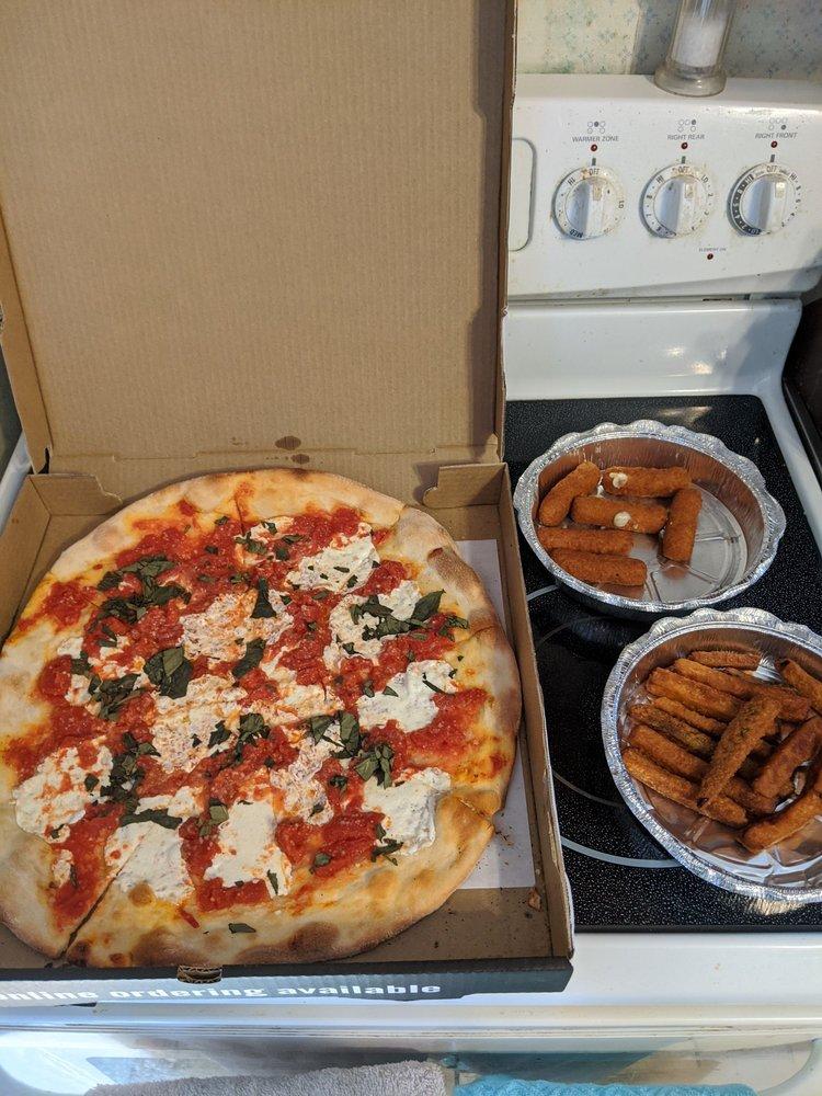 Joe Cristiano's Pizza: 1225 Rt 9G, Hyde Park, NY