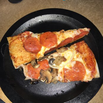 Round Table Pizza Portland Oregon.Round Table Pizza Order Food Online 55 Photos 64 Reviews