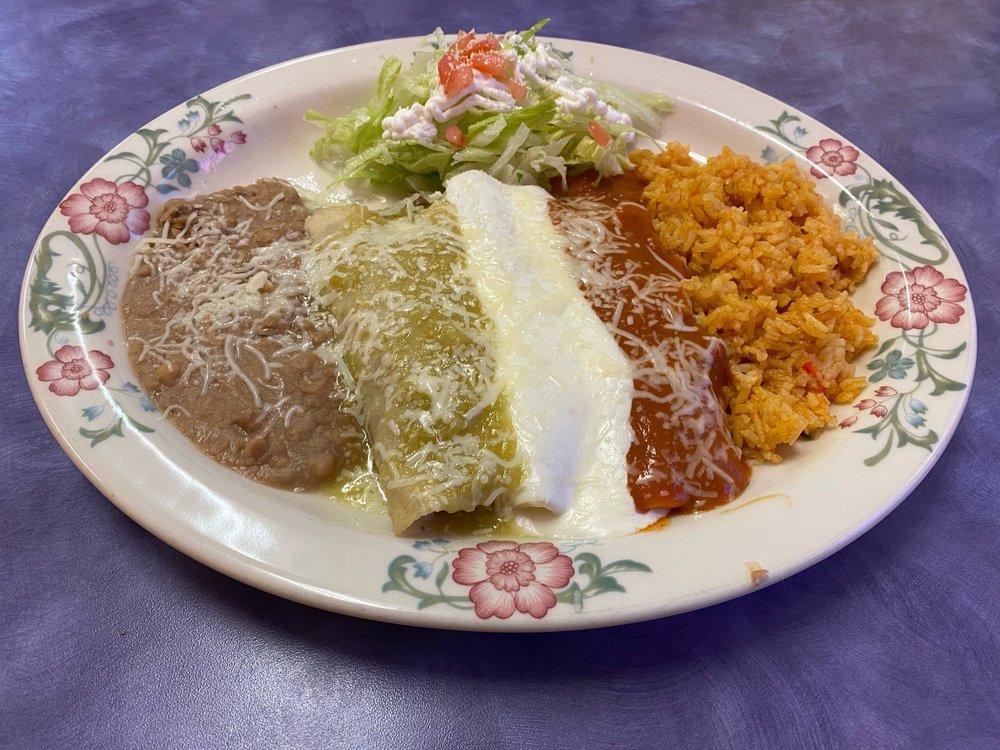 El Mar Mexican Restaurant: 107A 3rd St SE, Long Beach, WA