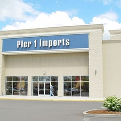 How much does a Store Manager make at Pier 1 Imports in the United States?