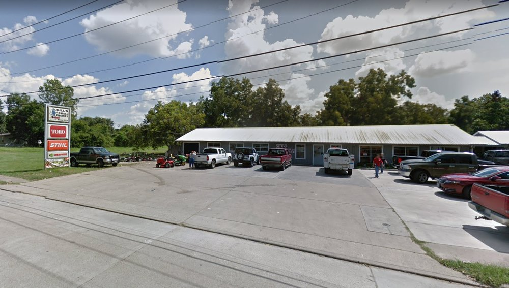 Gill's Small Engine Sales Service & Parts: 1615 W Adoue St, Alvin, TX