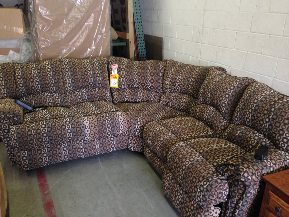Value City Furniture Alexandria Va: I Saw Power Plugs With This Couch And Thought Whaaaa?! Is