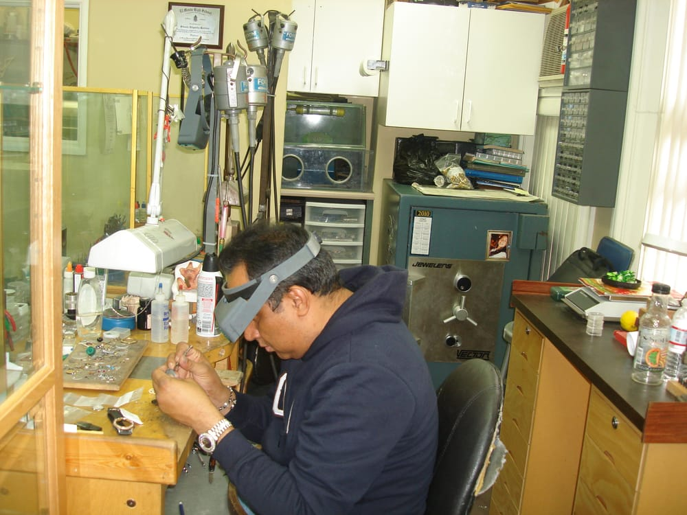 Sss jewelry 18 photos watch repair 411 w 7th st for Media jewelry los angeles