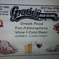 Gracie's Beer 30 BBQ: 6027 Hwy 40 W, Yankeetown, FL