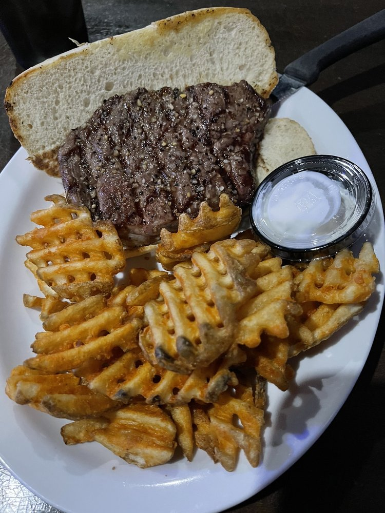 Sports Page Grill & Bar: 804 11th St SW, Spencer, IA
