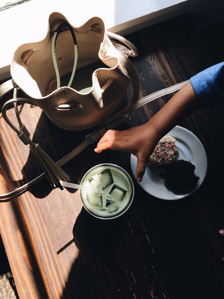Banjo Coffee: 38 N Avondale Rd, Avondale Estates, GA