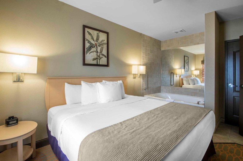 Odyssey Dells, A Bluegreen Resort - Slideshow Image 1