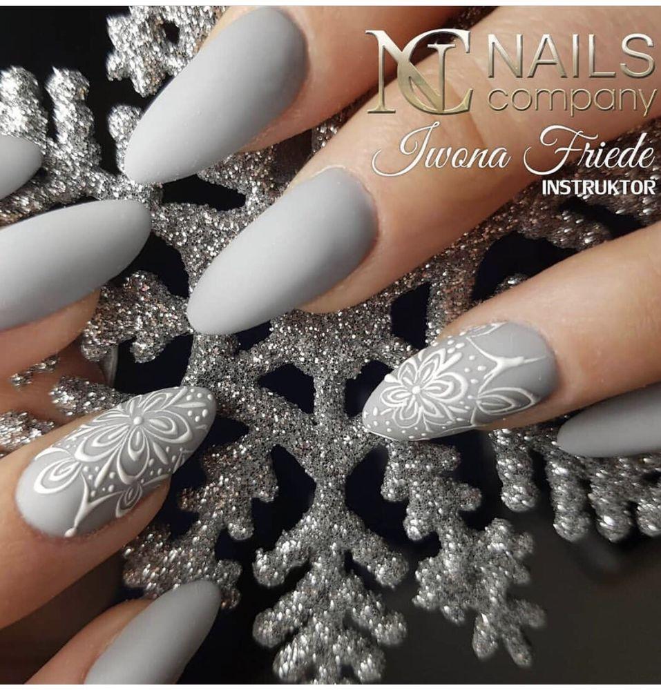 V nail salon: 275 E 9th St, San Bernardino, CA