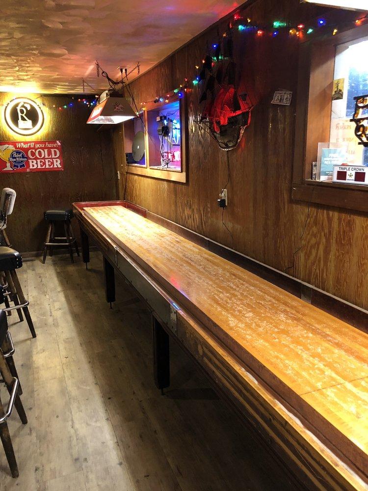 Clam Beach Tavern: 4611 Central Ave, McKinleyville, CA