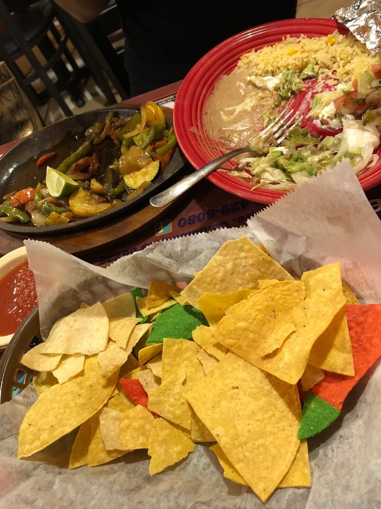 Los Luna's Mexican Restaurant: 114 S Kansas Ave, Columbus, KS