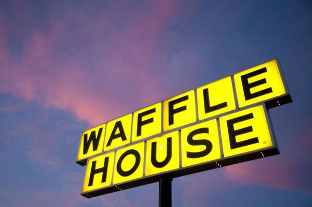 Waffle House: 3107 Estes Pkwy, Longview, TX