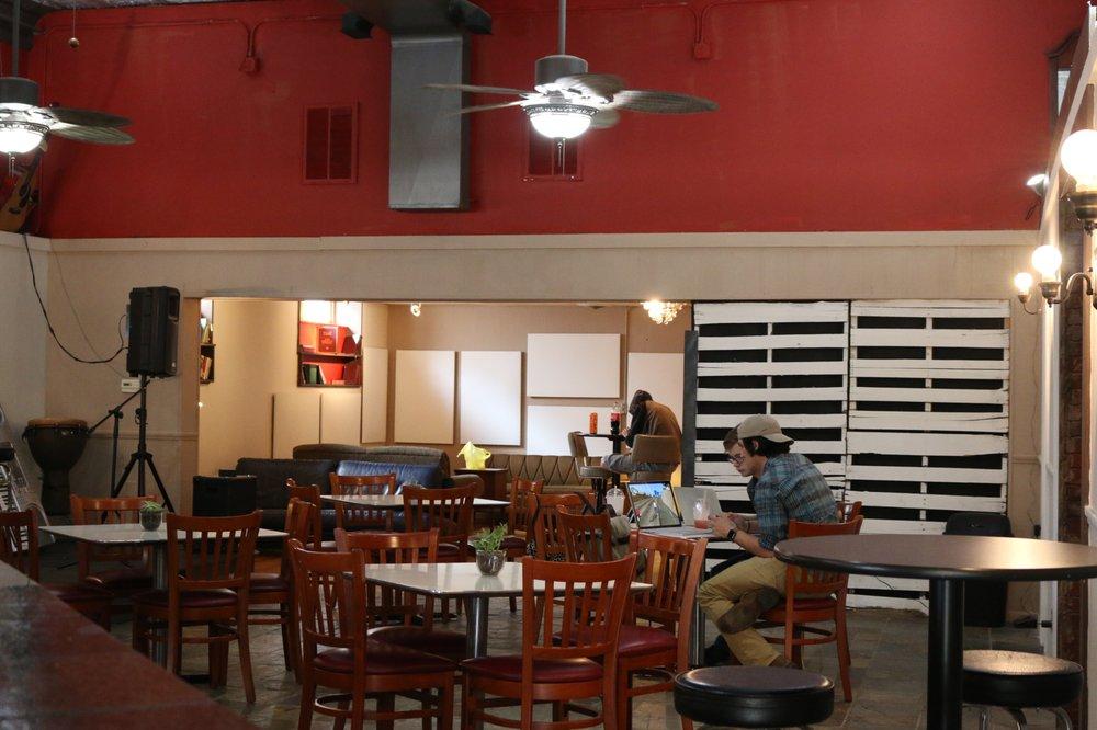 Core Cafe: 1021 1st St, LaSalle, IL