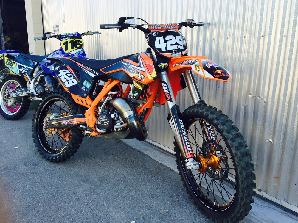 Factory MX: 18009 Sierra Hwy, Canyon Country, CA