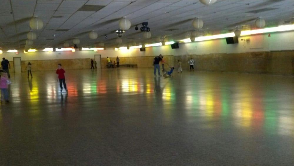 Dixie Skateland: 5179 N Dixie Hwy, Newport, MI