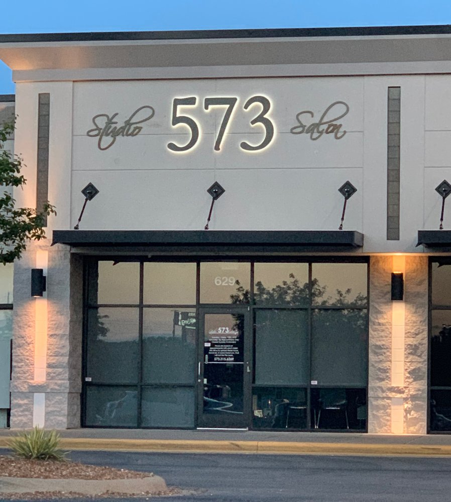 Studio 573 Salon: 629 Maple Valley Dr, Farmington, MO