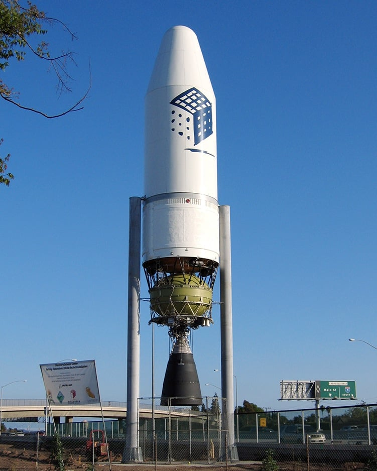 Nasa S Delta Iii Rocket Reproduction Outside The Discovery