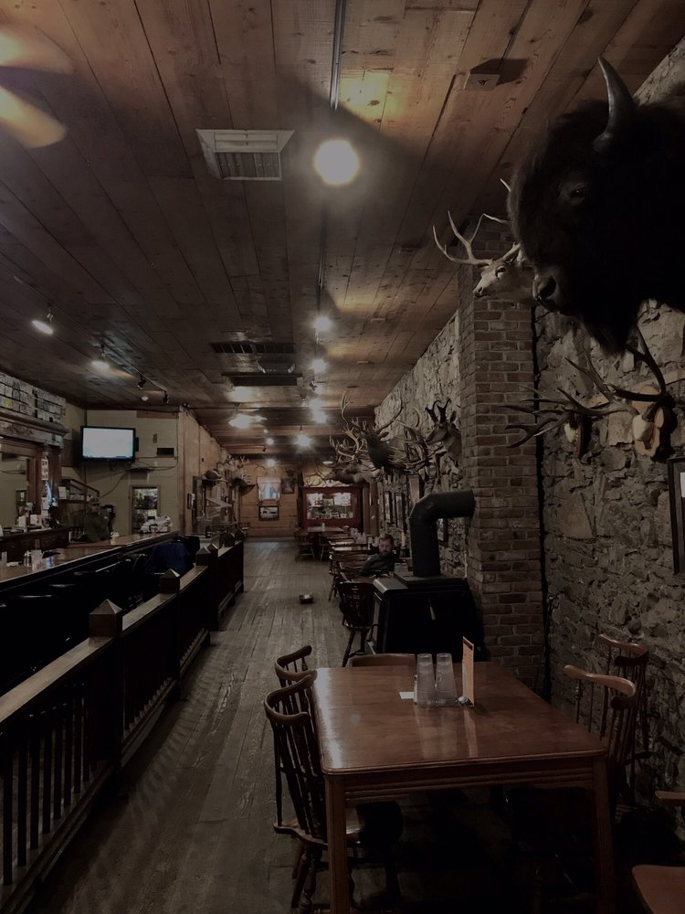 Oxbow Restaurant and Saloon: 128 Front St, Prairie City, OR
