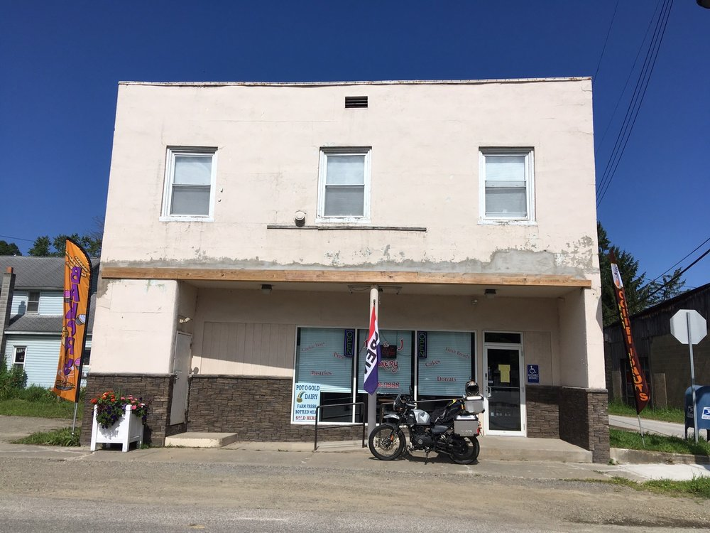 D & J Bakery: 146 N Main St, Cambridge Springs, PA