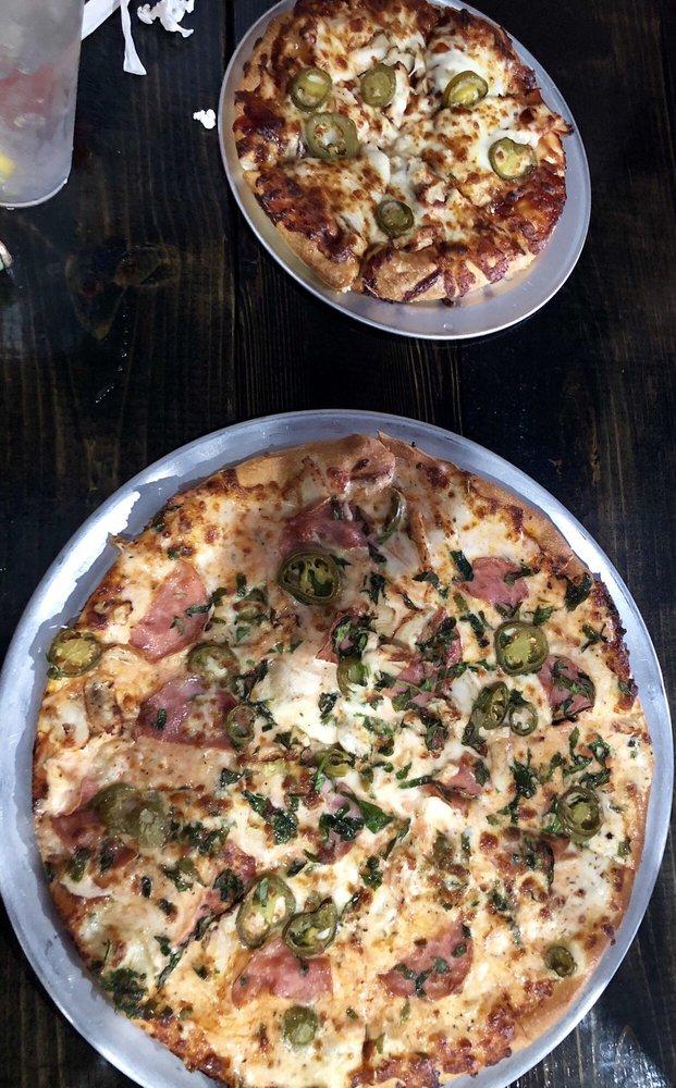 Milano's Pizza: 225 N Mason St, Bowie, TX